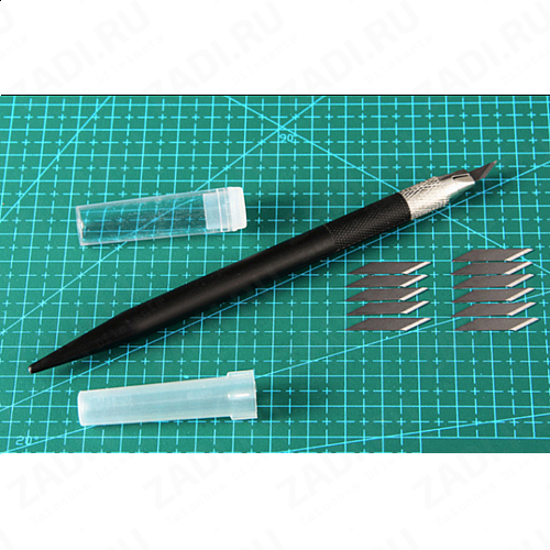 Скальпель со сменным ножом +12шт арт. 3029